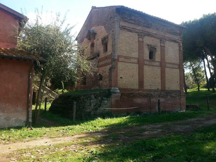Il Sepolcro di Annia Regilla e il Casale dell'ex Mulino
