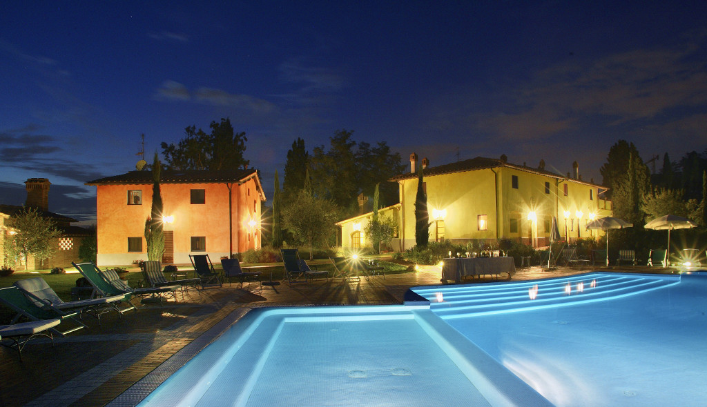 Villa Vignola by night