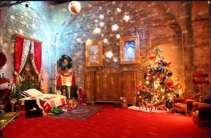 casa di babbo natale al castello di lunghezza - roma - italy me di
